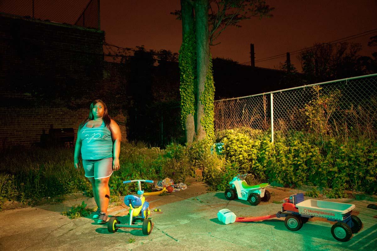 Life-Framer-Urban-Life-Paul-Shiakallis